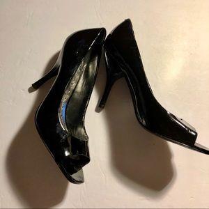 BCBGirls black patten peep toe heels size 9 1/2